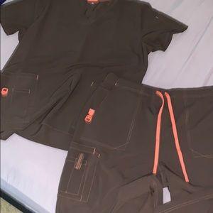Carhartt women's scrub set XL